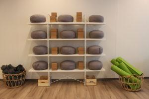 yoga4you-studio-van-der-valk-vitaal-amersfoort-noord-yogakussen-meditatie